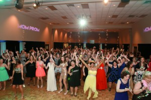 2015 HSV Mom Prom by Lighthouse Photography